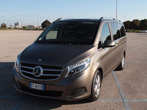 Noleggio autista Mercedes