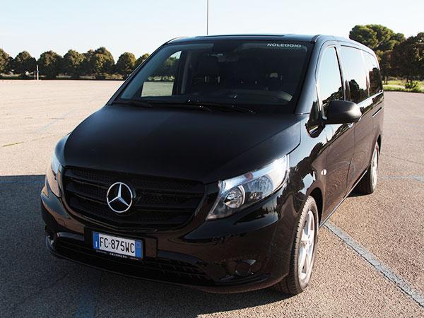 Noleggio minivan Mercedes Vito